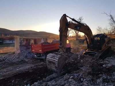 Búranie domu Zlaté Moravce